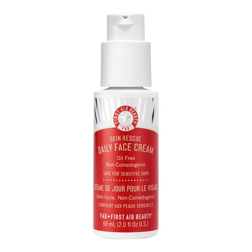 Closeup   14529 firstaidbeauty web