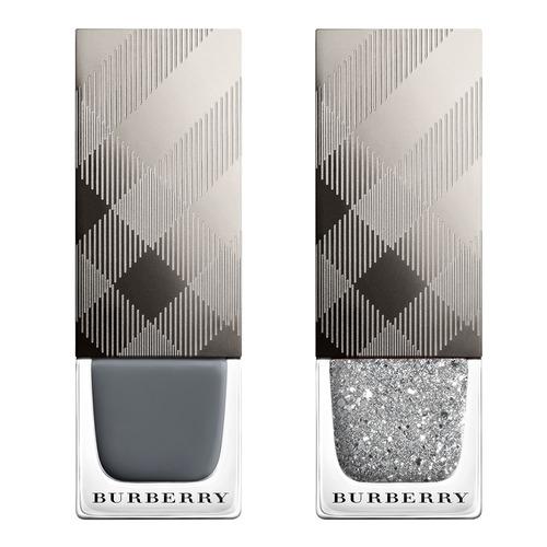 Closeup   4029829 nail polish silver glitter web