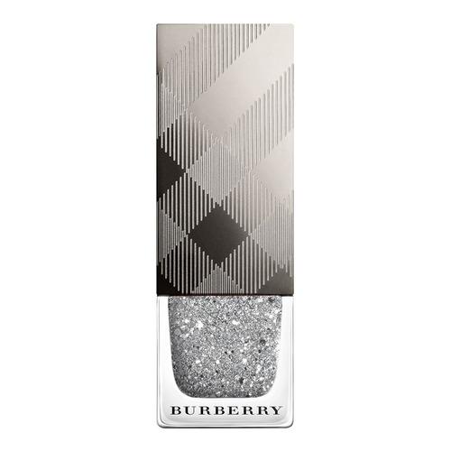 Closeup    0034 4029829 nail polish silver glitter web
